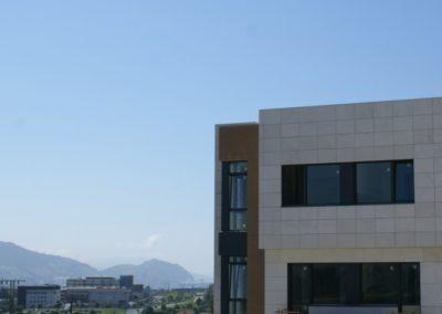 Detalle-fachada-Hospital-Quiron_2-1030x488